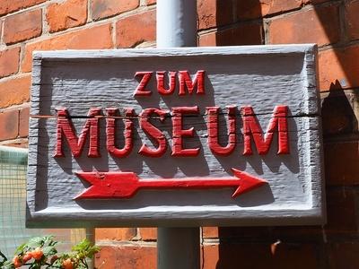 """""""Hm"""" oder Wie ich lernte, den modernen Museumsbesucher zu hassen"""